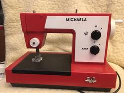 Piko Michaela Gyermekvarrógép eredeti dobozában