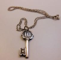 Ezüstlánc kulcs függővel 925-ös