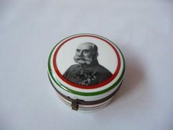 Porcelán dobozka Ferenc József arcképével