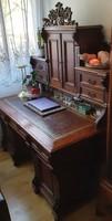 Felépítményes íróasztal, extra pakolórészekkel