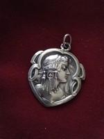 Szecessziós stílusú antik ezüst medál