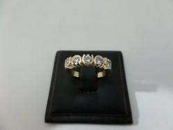 Arany gyűrű 5 db brillel