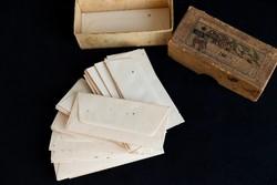 Kis borítékok dobozában, gyűjtői régiség