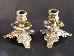 Antik stílusú, részletes kidolgozású réz gyertyatartó pár