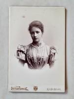 Antik női fotó bécsi kartonfotó vintage K.u.K Hof fénykép