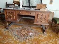 Kolonial íróasztal 1 Ft-ról