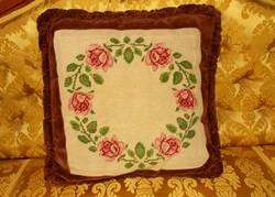 Gobelin rózsa girlandos díszpárna. 44x44 cm