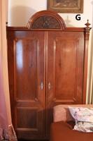 Antik ónémet két ajtós akasztós ruhásszekrény