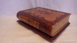 Intarziás könyv alakú doboz
