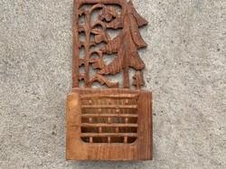 Indiai fából faragott kis polc, fűszertartó
