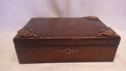 Réz díszes régi fa doboz