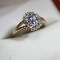 Ragyogó tanzanit és gyémánt arany gyűrű