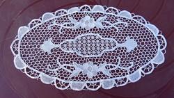 Csipke terítő , kézimunka , törtfehér 52 x 30  cm.