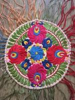 Régi Matyó mintás kézi hímzett  selyemszállal varrt kör alakú terítő