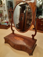 Finom intarziákkal díszített asztali fésülködő tükör