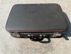 Régi bőrönd (375)