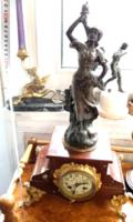 Restaurált antik szobros kandallóóra