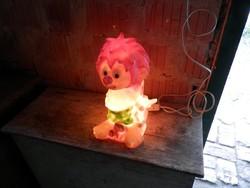 Pumuklis éjjeli lámpa.