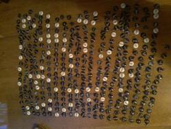 200 darab tüzzománc neves medál 1980 as évekből kádári érából kérésre kevesebbet is bazár áru