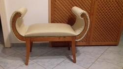 Felújított ülőke hajlított karfával szófa