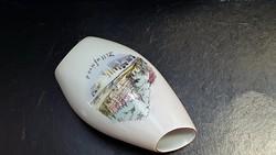 Aquincumi, kicsi, 10 cm.-es, ferde szájú porcelán váza.