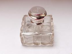 Bécsi ezüstkupakos pipere üveg.
