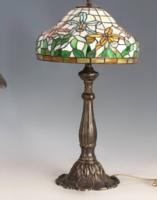 Tiffany stílusú asztali lámpa