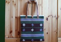 'HÓVIRÁG-ÉGVIRÁG' kézzel szőtt gyapjú táska bőr pántokkal