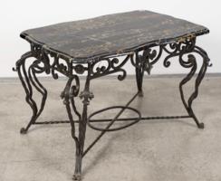 Szececciós stílusú vas asztal márvány lappal