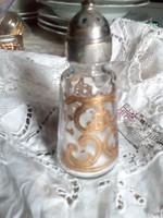 Georges Briard só,-bors szóró