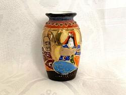 Antik aranyozott japán mini Satsuma váza, 7 cm.