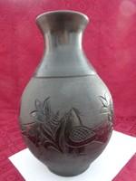 Vásárhelyi fekete kerámia váza, jelzése 924/6, magassága 30 cm.