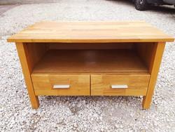 Eladó egy 2 fiókos MODERN  komód tölgy fából. Bútor szép, újszerű állapotú. Méretei: 85 cm x  49 cm