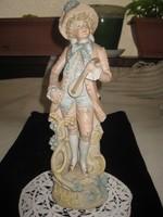 Monarchia kori , osztrák ,nagyon aprólékosan kidolgozott  ,porcelán figura 3341 számú és 33cm.