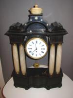 Negyedütős (nagyméretű) biedermeier asztali óra