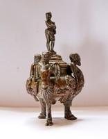 Faunokkal díszített antik bronz tömjén tartó!