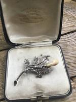 Antik ezüst vadász ékszer bross szarvas gyöngyfoggal