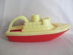 Retro trafikáru műanyag pancsoló játék hajó