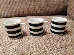 Három eszpresszós csésze csíkos mintázattal. Hibátlanok.