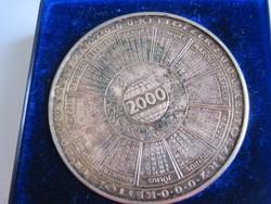 KETTŐEZER naptár 2000 - emlékérem