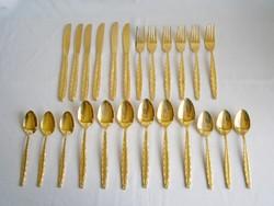 Arany színnel futtatott 24 db-os fém evőeszköz készlet: 6-6 db kés, villa, kanál, fagyis kanál