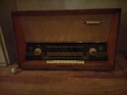 Retró Budapest rádió.