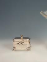 Ezüst cukordoboz madár figurával