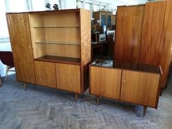 Régi retro mid century kétajtós komód sideboard alacsony vitrin polcos szekrény