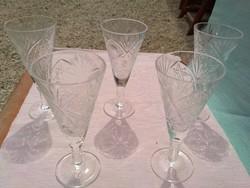Likőrös és rövid italos kristály poharak
