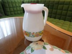 Tejüveg, jénai teás/tejes kancsó fedőjével. 1 literes