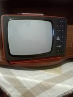 Fekte-fehér tv