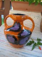 Kerámia  , kétfülű váza , az egyik  javított  23 x 26    cm