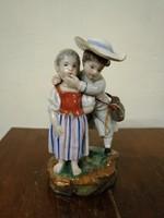 """Nemet porcelán figura  """" Szerelmes pár """". Kézzel festet. L- 7"""