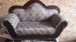 Régi baba kanapé